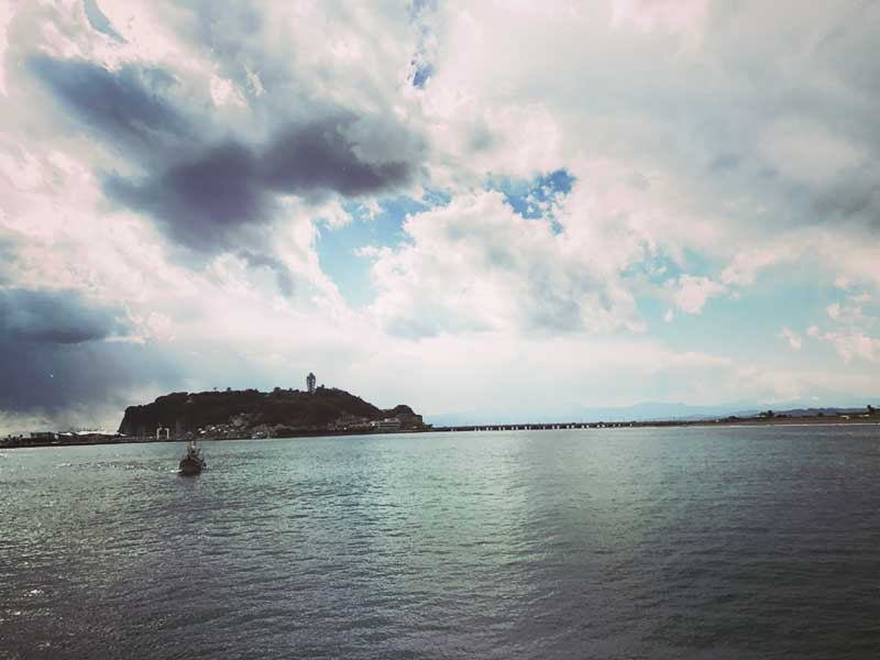 海も静かだ