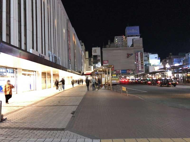 終電近く深夜の平塚駅北口