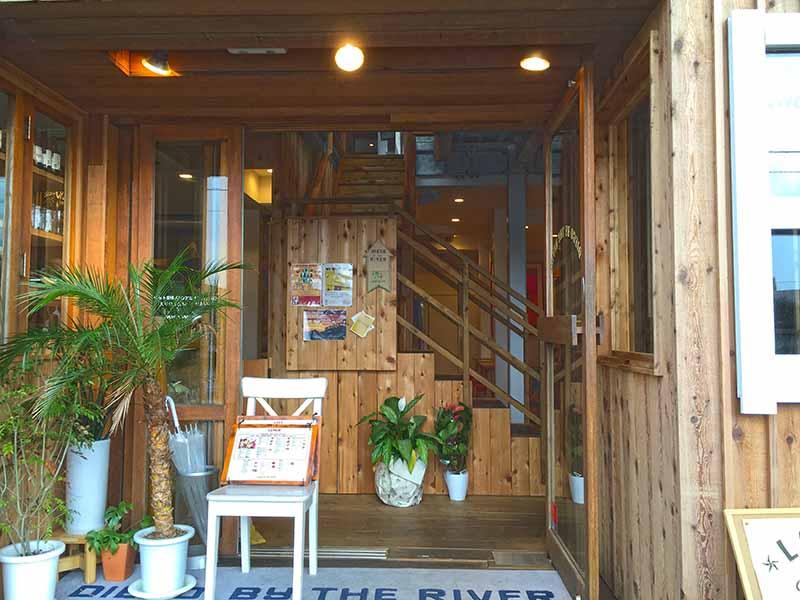 TV紹介!江ノ島地元1番人気カフェ【DIEGO BY THE RIVER】はノマドサーファー御用達!