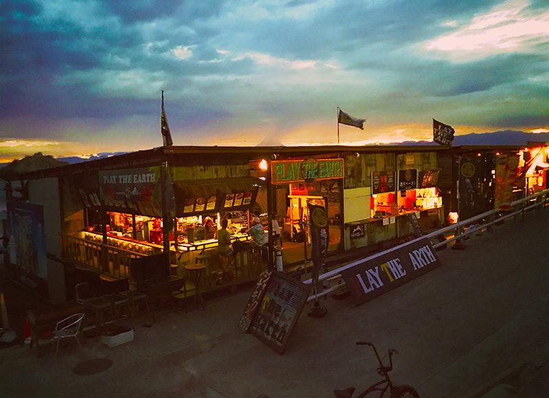 【2017江ノ島海の家】夜ってどんな感じ?バーやクラブは夜何時まで営業してるの?