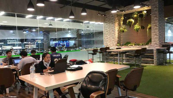 【タイのコワーキングスペース#1】「SYN HUB CO-INNOVATIVE SPACE」フードコートの一角の小スペースから起業家が生まれる?