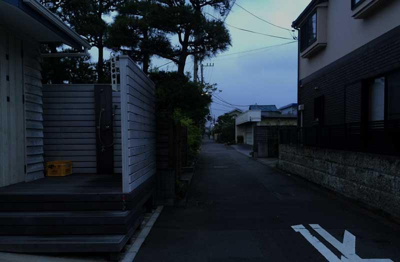 静かな住宅街に入りました