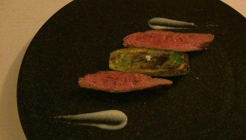 グラスフェッドビーフ ズッキーニ ウィートグラス 新にんにく 山椒オイル
