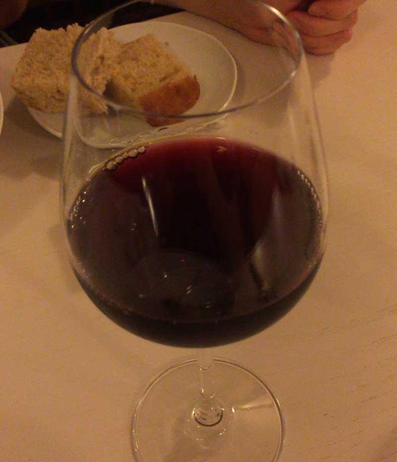 赤ワインいただきます