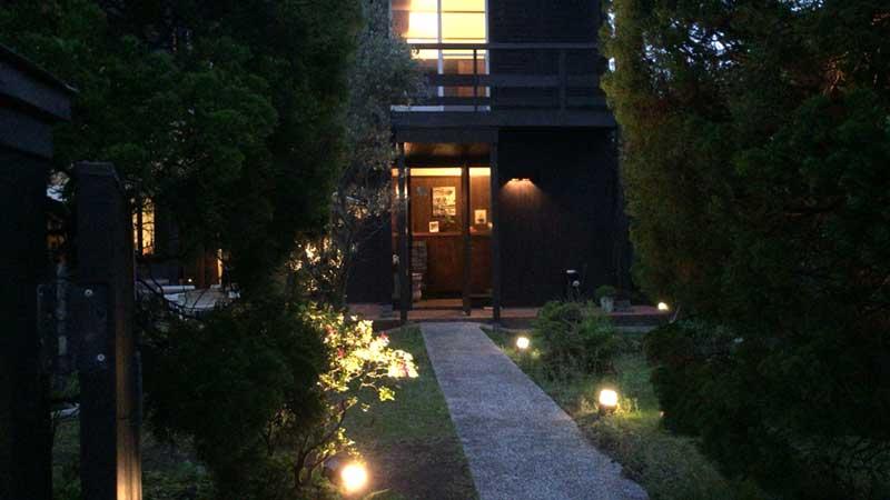 緑あふれる素敵な邸宅