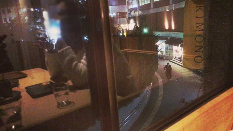 眼下に鎌倉の駅前の風景が