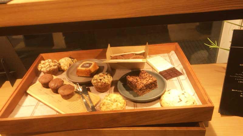 1階でチョコドリンクとチョコデザートをオーダー