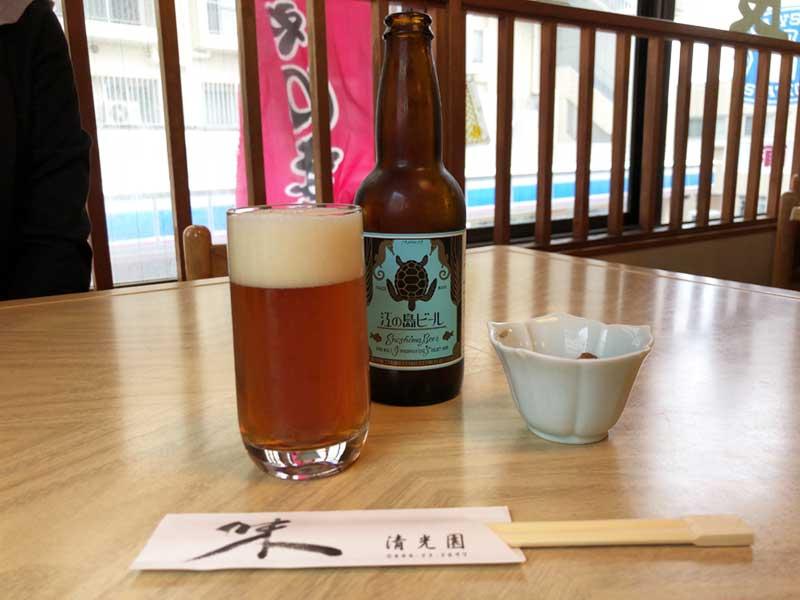 まずは江ノ島ビールで乾杯
