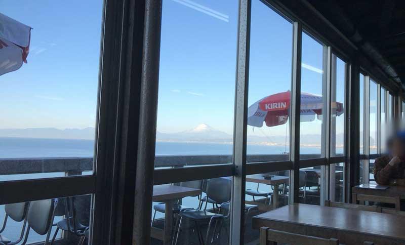 窓から富士山が見える!