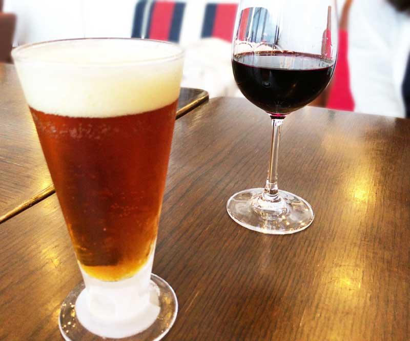 ビールとワインをごくごくと