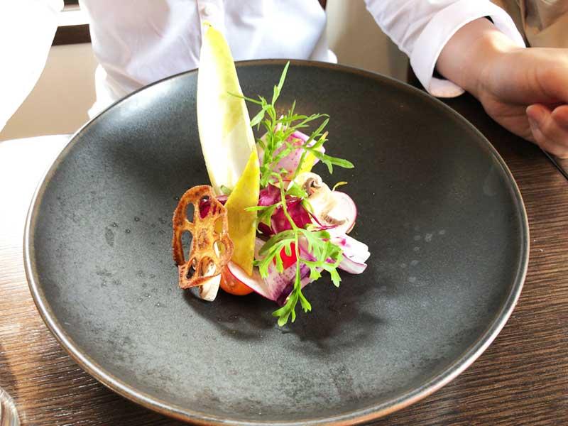 色鮮やかな鎌倉・湘南野菜のサラダ