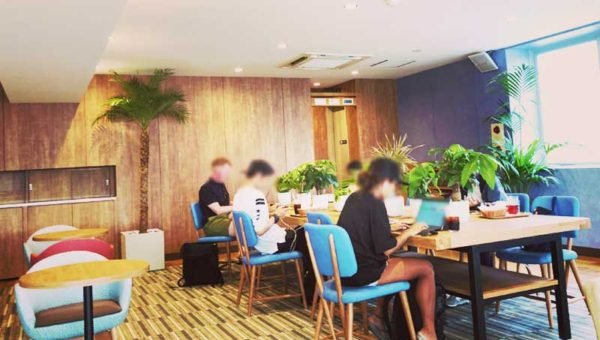【江ノ島おすすめノマドカフェ】新モスカフェが電源・wifi・作業テーブル完備でノマドの楽園になっていた!
