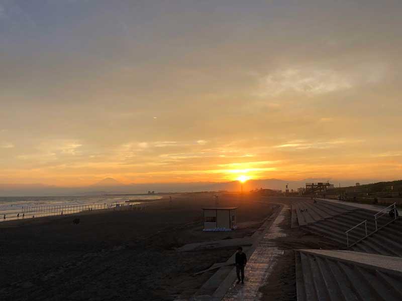 夕陽が沈む―