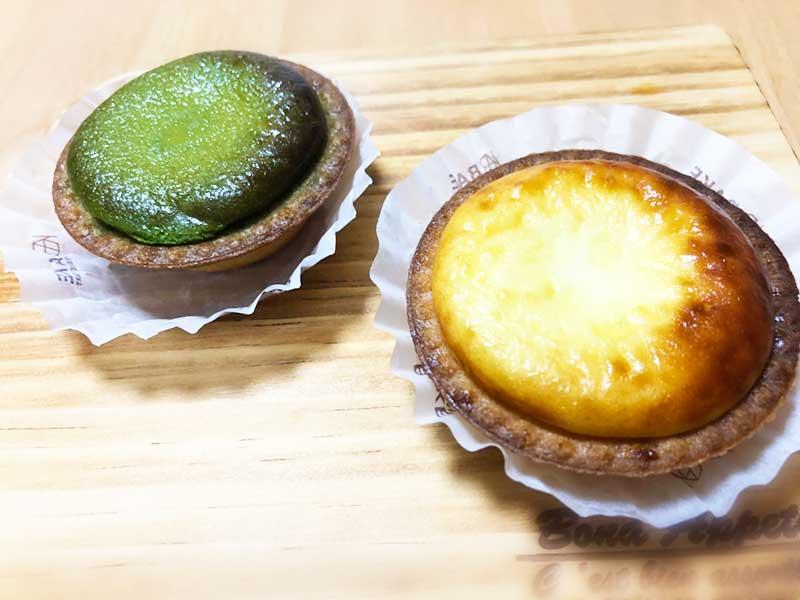 定番のチーズタルトと新作の抹茶チーズタルト