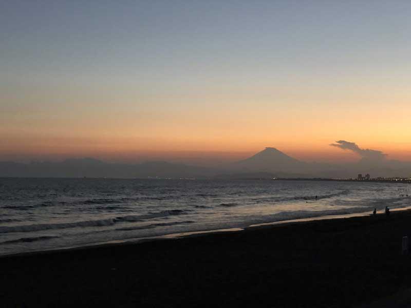 西浜に日が落ちる