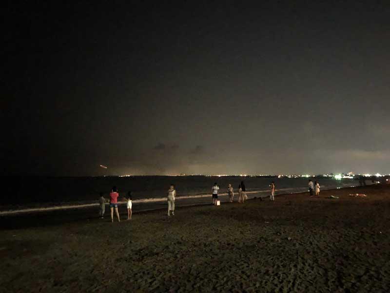 夜の片瀬西浜ビーチ