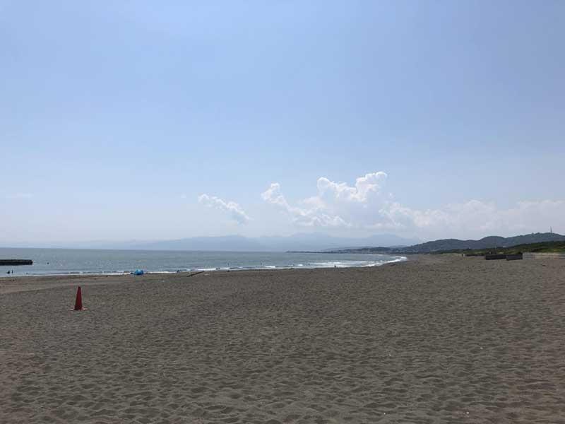 大磯側のビーチ