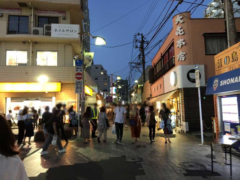 スバナ通りも混んでいます