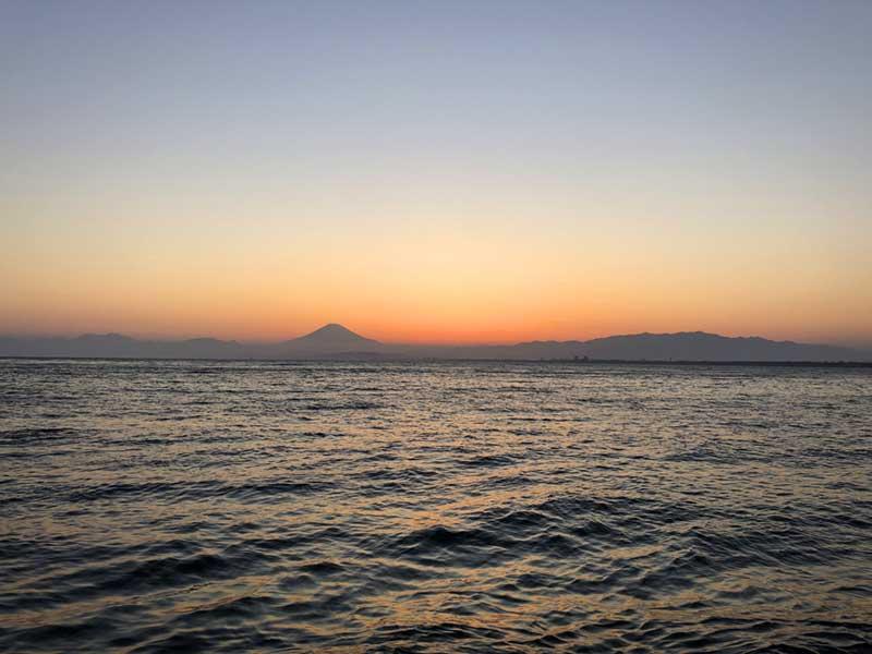 こんな感じで海と富士山と夕日がばっちり!