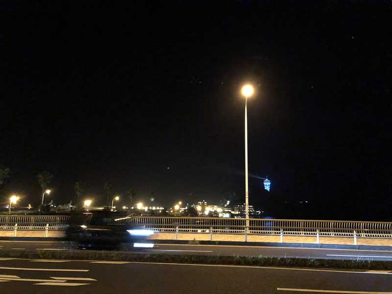 橋を渡って西浜へ移動!