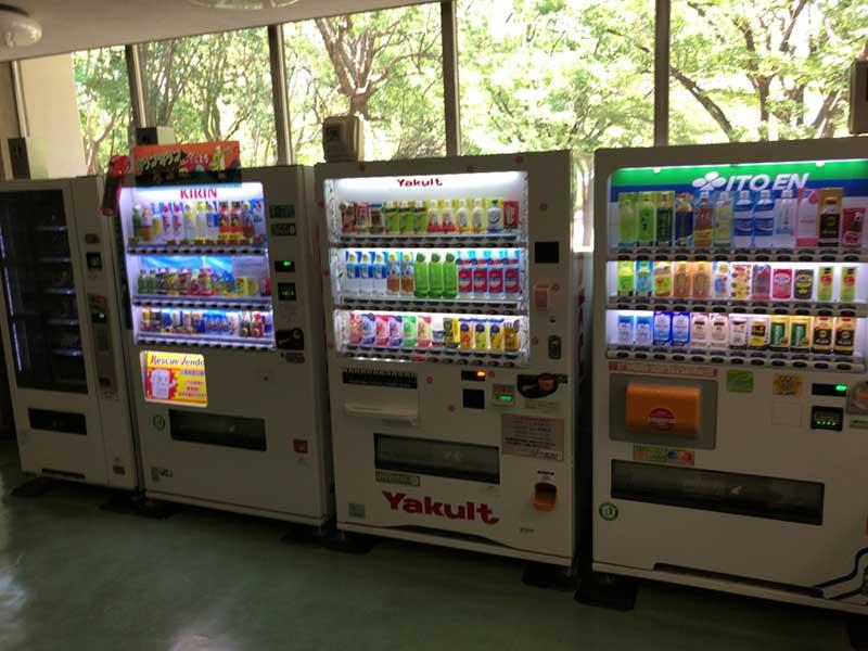 青少年会館1階の自販機コーナー