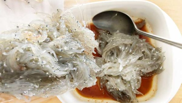 【漁師おすすめ生しらすレシピ】日持ちする簡単ピリ辛沖漬け!ご飯とお酒に合う!プリプリがねっとりに味変する楽しみ!