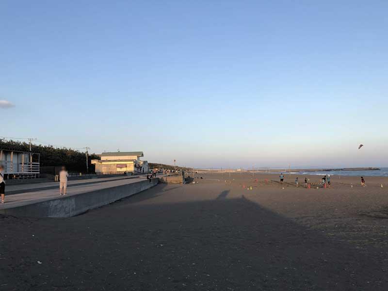 日没直前の平塚ビーチパーク