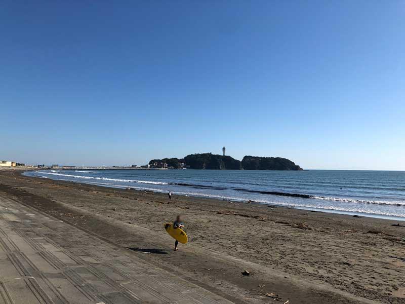 波はそこそこあるのでサーフィン日和です