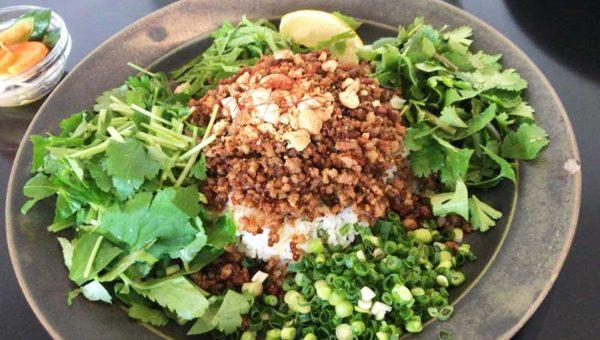 【OXYMORON小町通り】鎌倉1番人気のカフェ&カレー!野菜山盛りエスニックそぼろで、カレー観が変わりました。