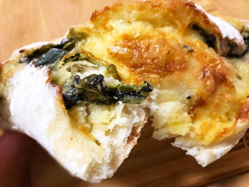 野菜の苦みとチーズとバターの旨味がマッチ