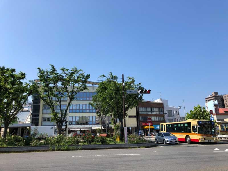 北口と違って空が広い平塚駅南口