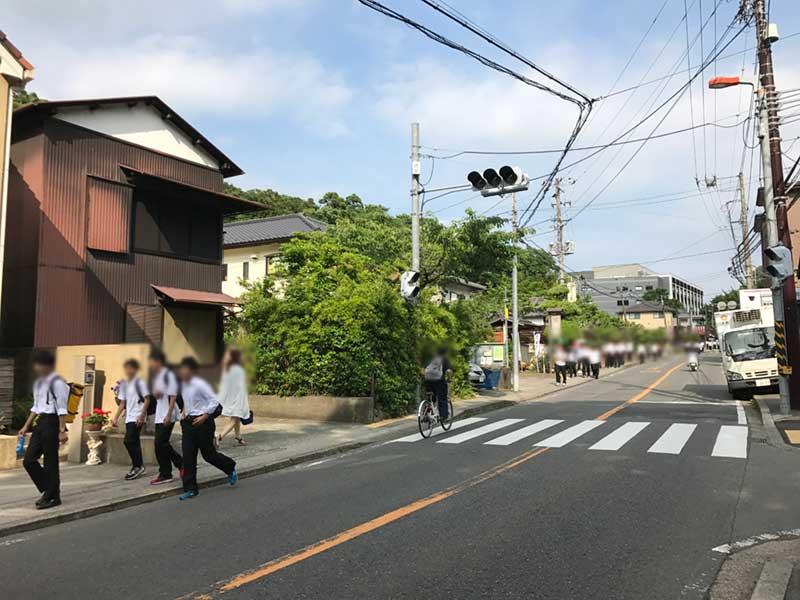 北鎌倉も修学旅行生が多い