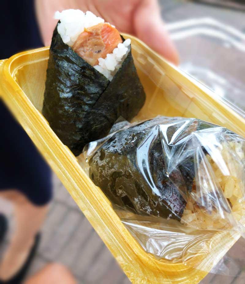 紅鮭と松茸むすび