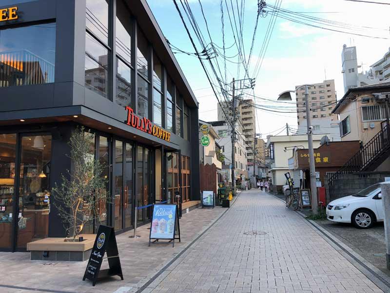 ここから江ノ島へのびる一本道がすばな通り
