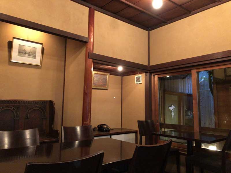 古民家を改装した内装