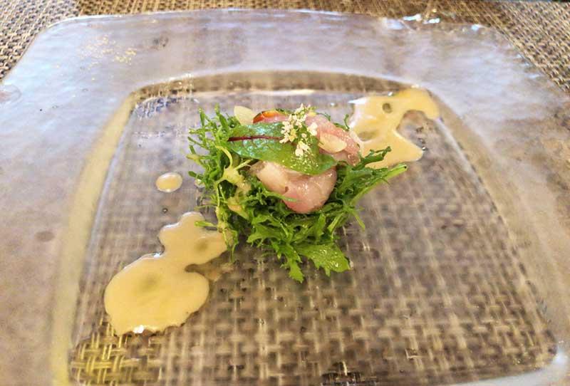 新鮮な真鯛のカルパッチョ