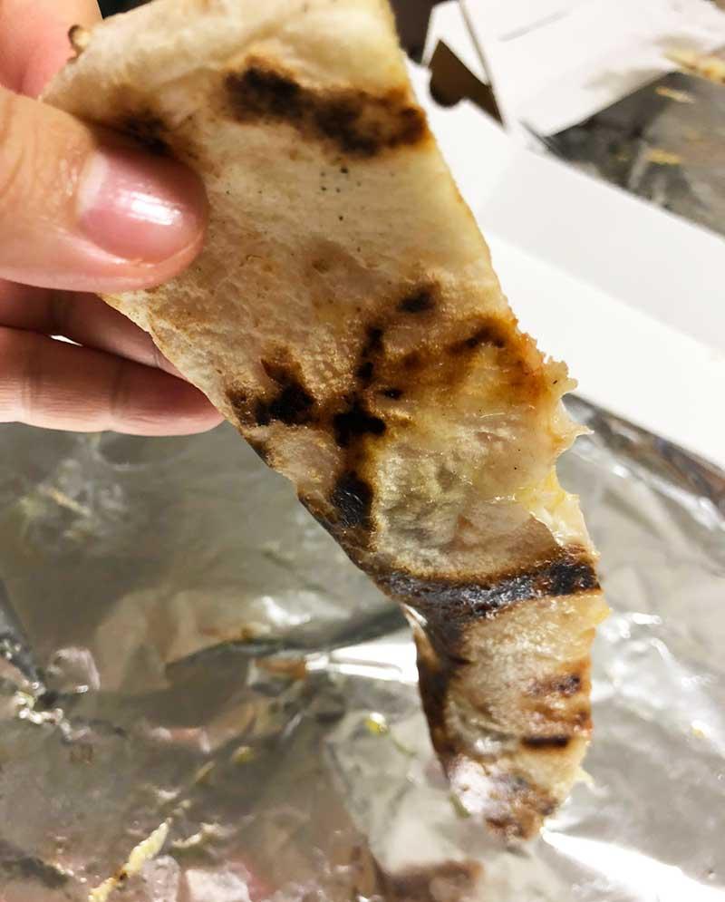 ピザ生地だけでも食べられるぐらい美味しい