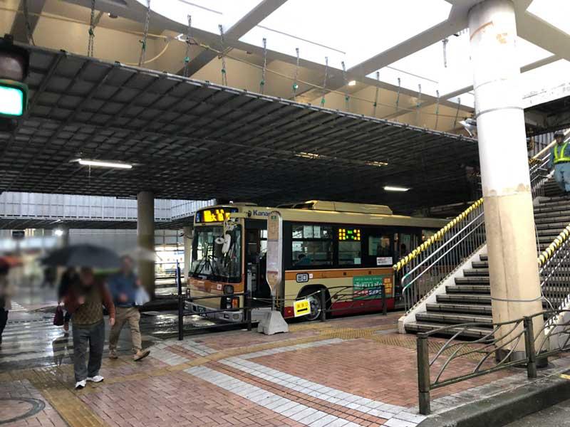 藤沢駅北口の6番バス乗り場