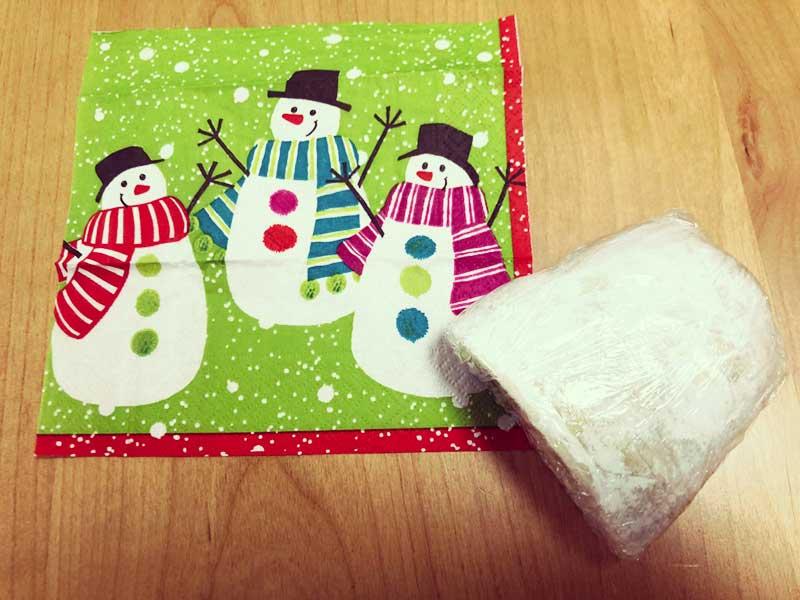 かわいい雪だるまの包装紙