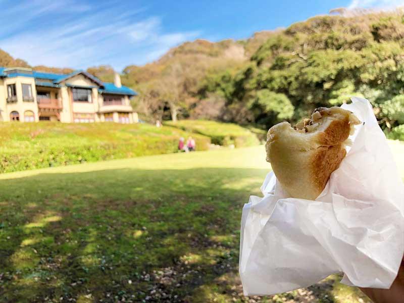 鎌倉文学館を眺めつつパクリ