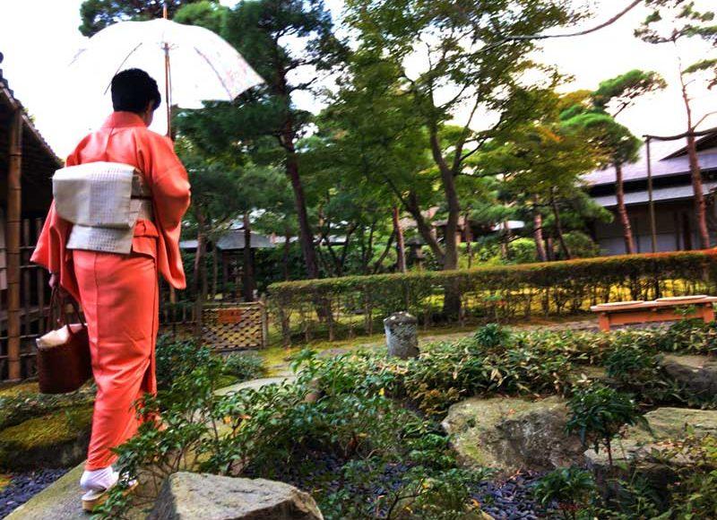 【一条恵観山荘(いちじょうえかんさんそう)】鎌倉紅葉の名所が一般公開中!空いている穴場の国指定重要文化財です。
