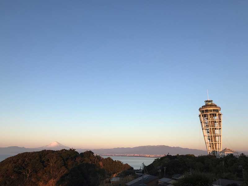 江の島展望灯台と富士山