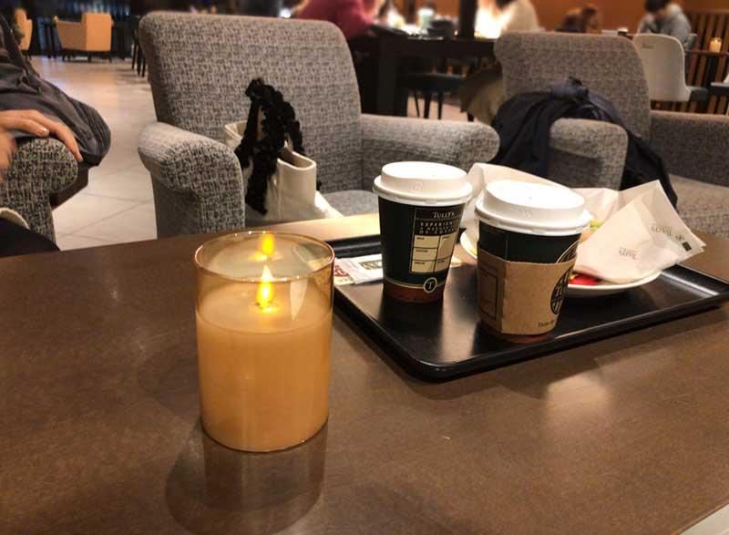 コーヒーを飲むだけならソファー席が快適