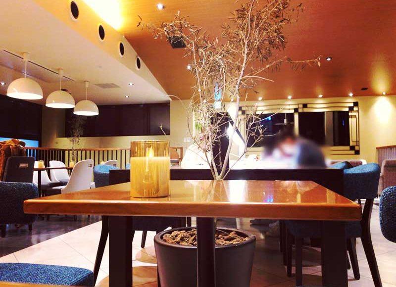 【江ノ島タリーズ暗黙のローカル・ルール】2階長テーブルは学生専用の勉強スペース?観光地でガチ勉強してるの?