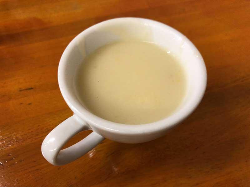 温かいポタージュスープ