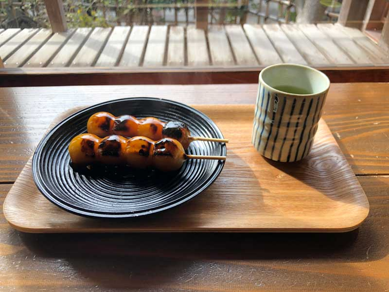 みたらし団子とお茶のセット