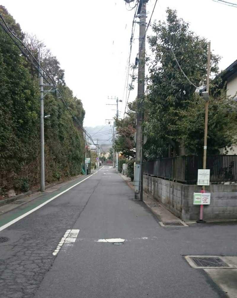 鎌倉八幡宮の奥にある閑静な住宅街