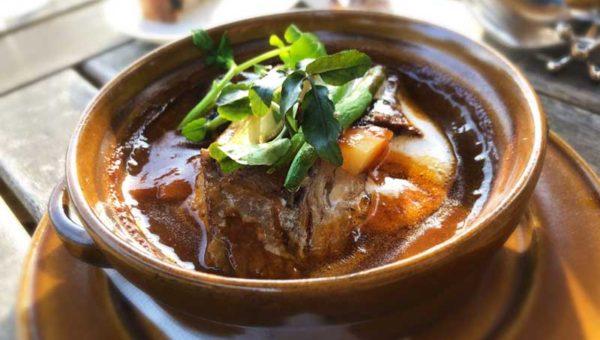 【鎌倉洋館レストラン・石窯ガーデンテラス】もっちり石釜パンとシチューが絶品!寺なのに本格洋食!