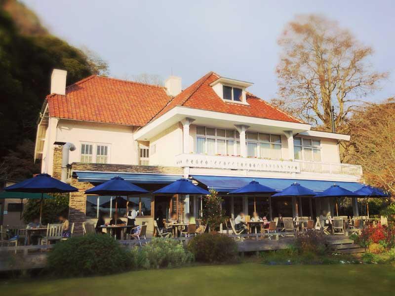 浄妙寺の中にある洋館レストラン「石窯ガーデンテラス」