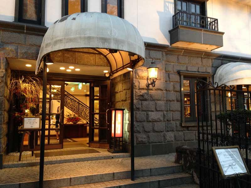 優雅な喫茶室「鎌倉歐林洞」